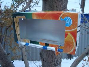 Как сделать кормушку для птиц из коробок фото 143