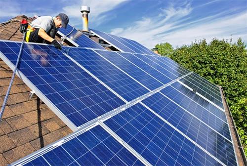 Солнечные батареи: стоит ли их сейчас покупать?