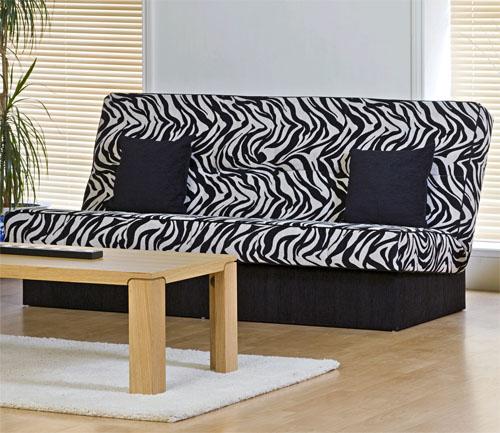 Диван-зебра в этническом стиле