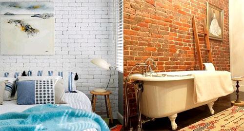 Кирпичная стена в интерьере квартиры