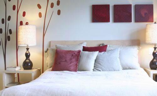 Белая спальня – простота и изящество