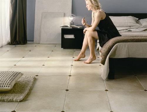 Керамическая плитка в интерьере спальни