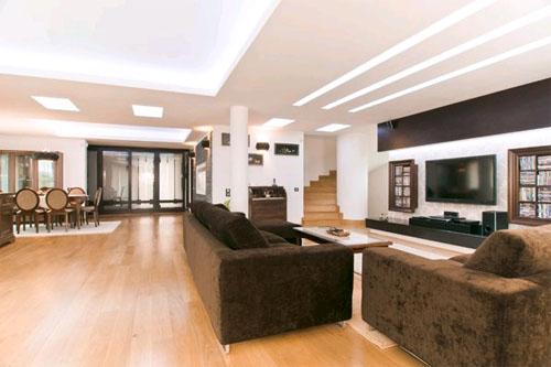 Интерьер большого дома